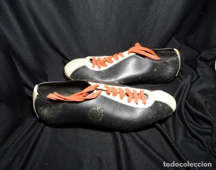 RARISIMAS Y ANTIGUAS BOTAS DE FUTBOL, AÑOS 60.FABRICANTE BERNEDA.SAN BOI.MARCA MUNICH (Coleccionismo Deportivo - Material Deportivo - Fútbol)