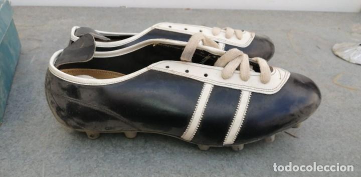 Coleccionismo deportivo: BOTAS DE FUTBOL ANTIGUAS NUMERO 44 - Foto 3 - 172389213