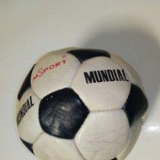 Coleccionismo deportivo: (1982-83) BALÓN AUTOGRAFIADO POR EL ATHLETIC CLUB - ORIGINAL - FIRMADO A MANO - CAMPEONES DE LIGA. Lote 175351467