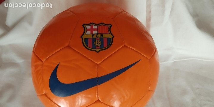 Coleccionismo deportivo: BALON DE FUTBOL NIKE NARANJA ESCUDO F C BARCELONA LETRAS BARÇA NUEVO - Foto 2 - 176282014