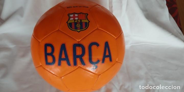 Coleccionismo deportivo: BALON DE FUTBOL NIKE NARANJA ESCUDO F C BARCELONA LETRAS BARÇA NUEVO - Foto 3 - 176282014
