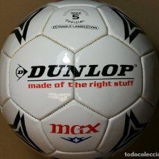 Coleccionismo deportivo: BALON DUNLOP MAX DURO, SIMIL CUERO, DE 21CM DIÁMETRO. FUTBOL. Lote 177215120
