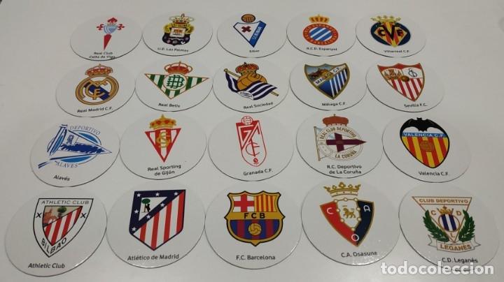 LOTE DE 20 IMANES REDONDOS DE ESCUDOS DE EQUIPOS DE FUTBOL DE PRIMERA DIVISION , LFP (Coleccionismo Deportivo - Material Deportivo - Fútbol)