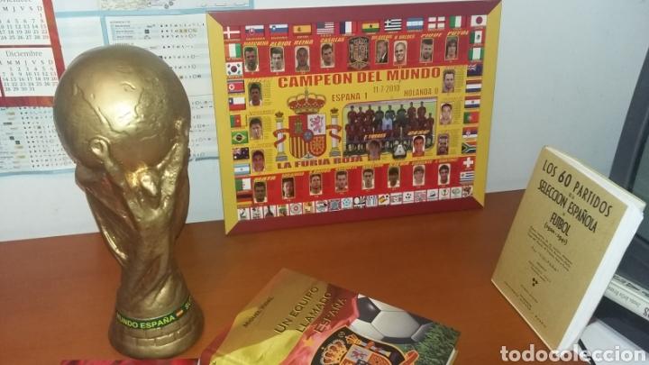 SELECCIÓN ESPAÑOLA. LOTE HISTÓRICO DE FÚTBOL. (Coleccionismo Deportivo - Material Deportivo - Fútbol)