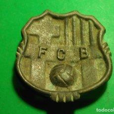 Coleccionismo deportivo: CENICERO MUY ANTIGUO DE BRONCE FÚTBOL CLUB BARCELONA (BARÇA). Lote 178647575