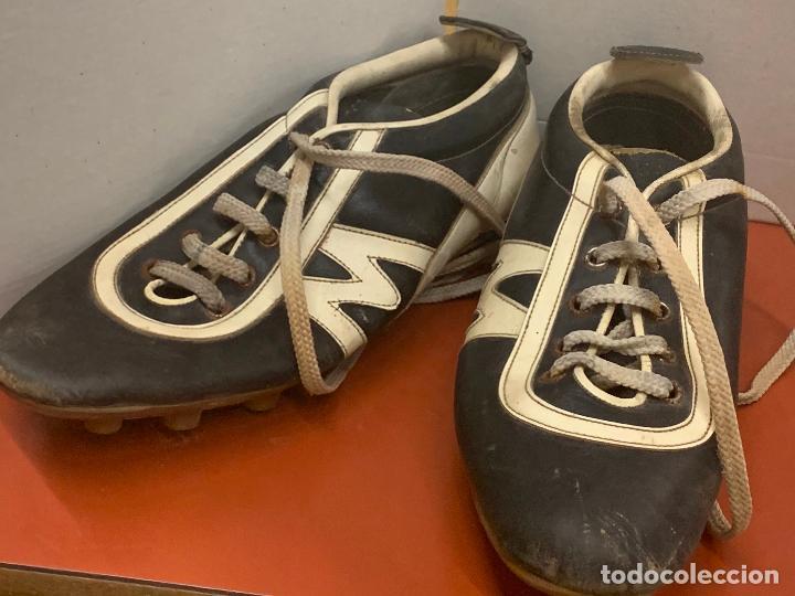 Coleccionismo deportivo: Antiguas botas de futbol, marca Flex Matollo, num. 39. ideal coleccionismo - Foto 3 - 184578011