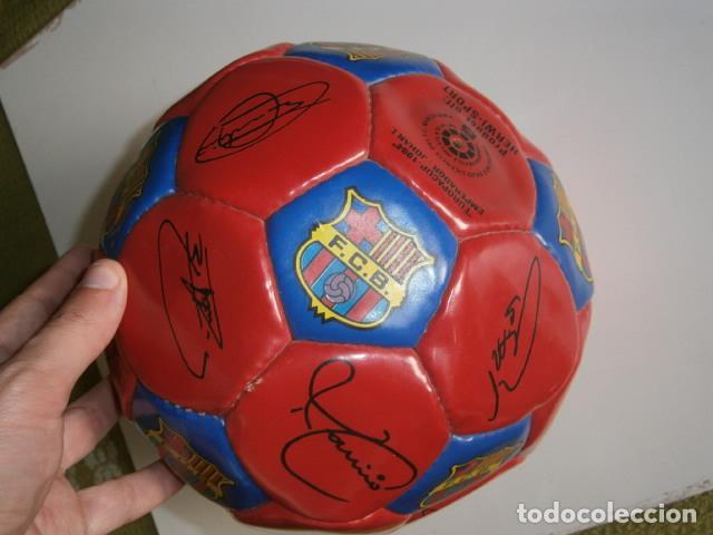 Coleccionismo deportivo: PELOTA BALÓN FC BARCELONA BARÇA 1994 EUROPA FIRMADA - Foto 2 - 188532218