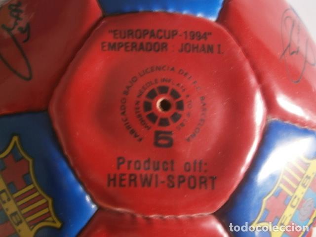 Coleccionismo deportivo: PELOTA BALÓN FC BARCELONA BARÇA 1994 EUROPA FIRMADA - Foto 4 - 188532218