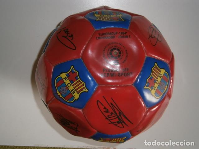 Coleccionismo deportivo: PELOTA BALÓN FC BARCELONA BARÇA 1994 EUROPA FIRMADA - Foto 5 - 188532218