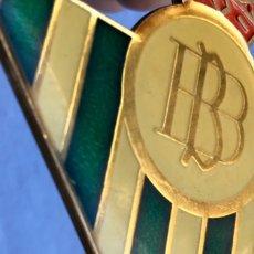 Coleccionismo deportivo: ENORME LLAVERO REAL BETIS BALOMPIÉ -9X10 CMS-. Lote 188785481