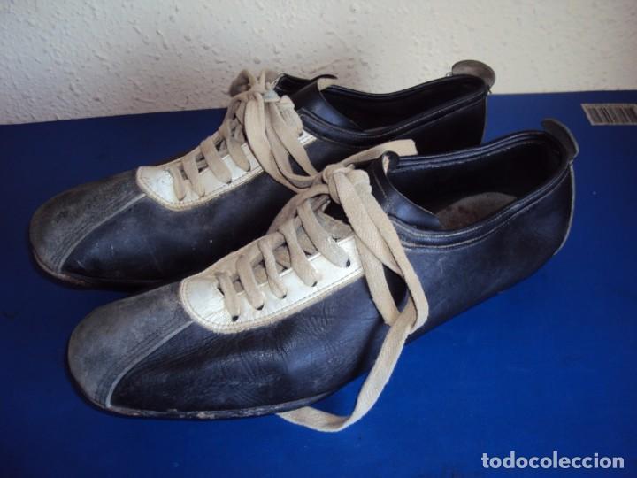 (F-191278)BOTAS DE FUTBOL MARCA MARCO - CIRCA AÑOS 60 - DEPORTES MARTIN (Coleccionismo Deportivo - Material Deportivo - Fútbol)