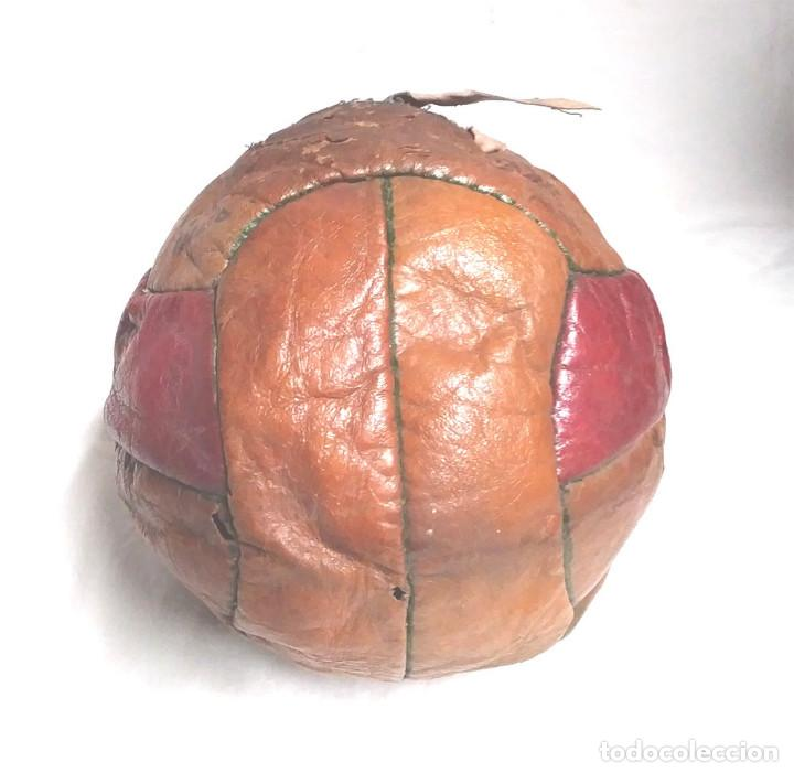 Coleccionismo deportivo: Pelota Futból Legar 4, cuero cosida a mano años 50 vintage, no jugada resto tienda - Foto 2 - 189155535