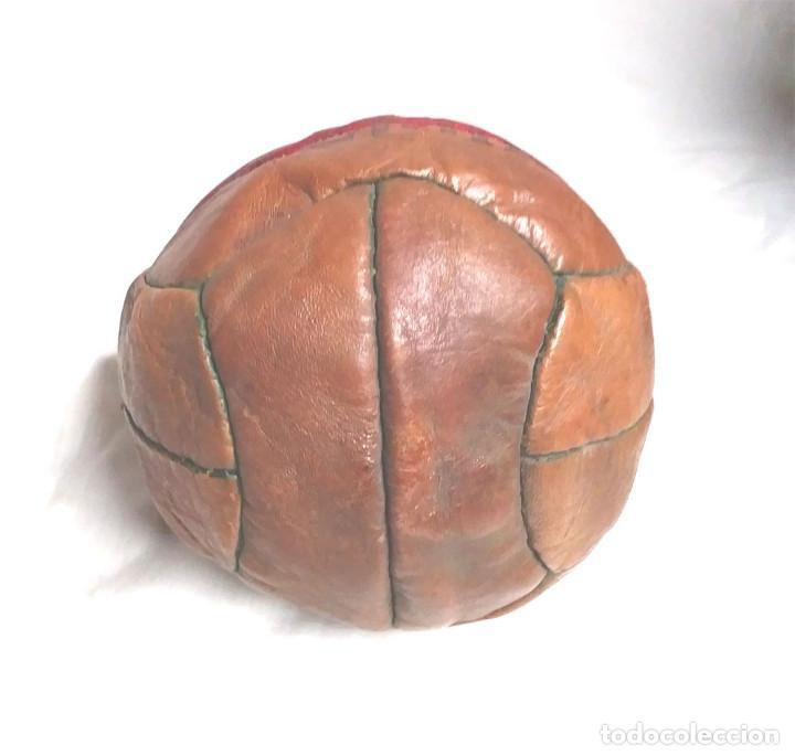 Coleccionismo deportivo: Pelota Futból Legar 4, cuero cosida a mano años 50 vintage, no jugada resto tienda - Foto 5 - 189155535