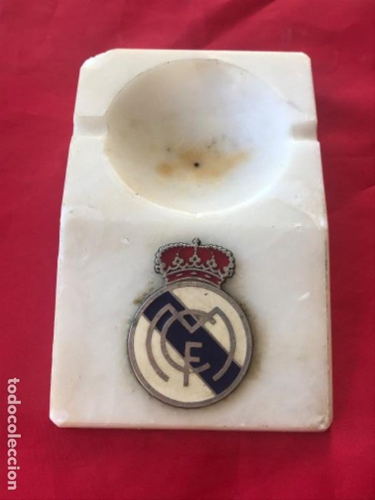 REAL MADRID CLUB FUTBOL ANTIGUO CENICERO VELERO PALMATORIA ESCUDO FUTBOL REAL MADRID SOBRE MARMOL (Coleccionismo Deportivo - Material Deportivo - Fútbol)