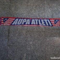 Coleccionismo deportivo: BUFANDA ATLÉTICO DE MADRID. AUPA ATLETI. ESCUDO CLÁSICO. Lote 192526680