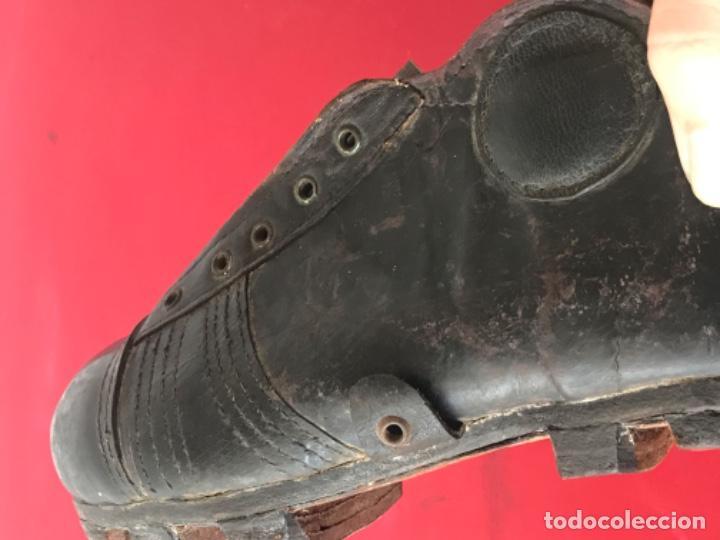 Coleccionismo deportivo: ANTIGUAS BOTAS DE FÚTBOL DE NIÑO 1920'S. SIN USAR. - Foto 9 - 194608130