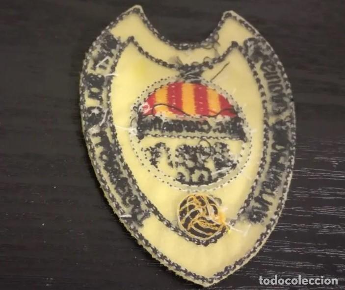 Coleccionismo deportivo: -ESCUDO DE TELA Y PLASTICO ANTIGUO DE FUTBOL : C.F. CIUDAD COOPERATIVA SANT BOI DE LLOBREGAT - Foto 2 - 194738771