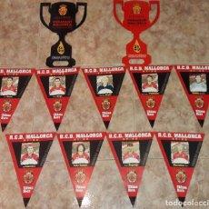Coleccionismo deportivo: LOTE R.C.D. MALLORCA LOTE BANDERINES DE CARTON JUGADORES TEMPORADA 97-98 ULTIMA HORA COPA DEL REY. Lote 194965553