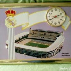 Coleccionismo deportivo: REAL MADRID, ESTADIO SANTIAGO BERNABÉU, CUADRO CON RELOJ.. Lote 195019318