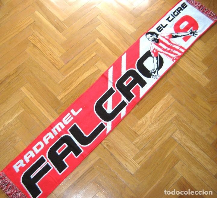 BUFANDA ATLETICO MADRID FALCAO COLOMBIA AS MONACO TIGRE Nº 9 NUEVA ORIGINAL SCARF ECHARPE R (Coleccionismo Deportivo - Material Deportivo - Fútbol)