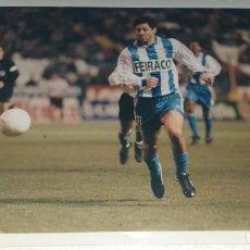 Coleccionismo deportivo: DEPORTIVO LA CORUÑA FOTOGRAFIA JOSE OSCAR TURU FLORES CAMPEON TEMPORADA 1999 - 2000. Lote 195405723