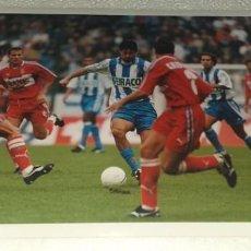 Coleccionismo deportivo: DEPORTIVO LA CORUÑA FOTOGRAFIA JOSE OSCAR TURU FLORES CAMPEON TEMPORADA 1999 - 2000. Lote 195405775