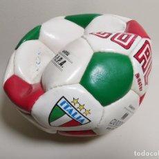 Coleccionismo deportivo: BALÓN OFICIAL FIFA CON LOS COLORES DE ITALIA, EL GANADOR DEL CAMPEONATO MUNDIAL DE ESPAÑA 1982. Lote 196387053