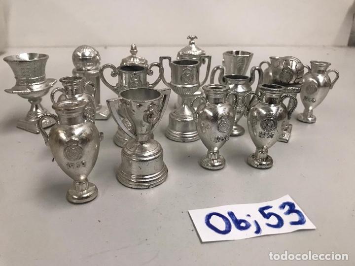Coleccionismo deportivo: Mini copas Del Real Madrid - Foto 2 - 198117592