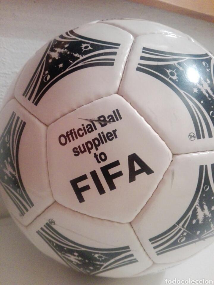 Coleccionismo deportivo: BALON DE FUTBOL FOOTBALL ADIDAS QUESTRA - Foto 2 - 198776566