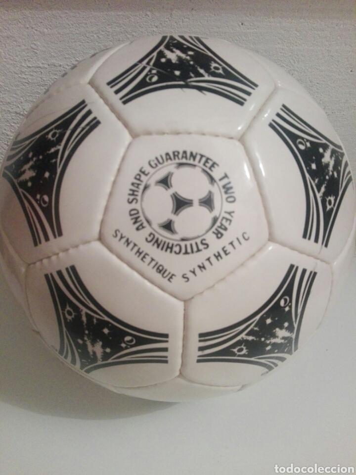 Coleccionismo deportivo: BALON DE FUTBOL FOOTBALL ADIDAS QUESTRA - Foto 4 - 198776566