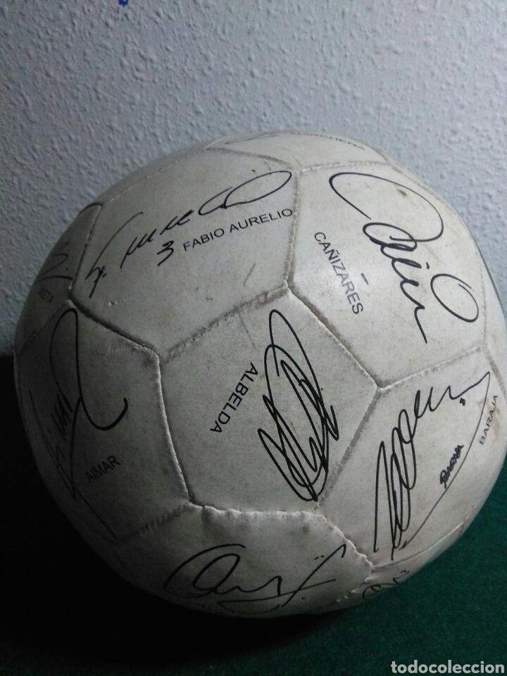 Coleccionismo deportivo: Balón de futbol futbol club valencia con las firmas de jugadores - Foto 4 - 199821930