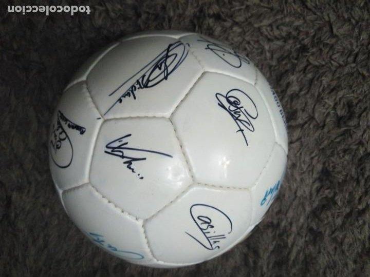 Coleccionismo deportivo: Balón firmado Real Madrid - Foto 2 - 200080262