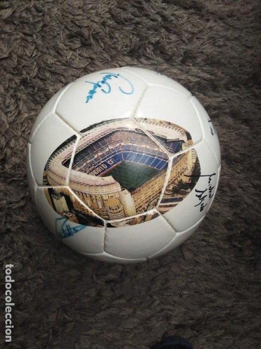 Coleccionismo deportivo: Balón firmado Real Madrid - Foto 3 - 200080262