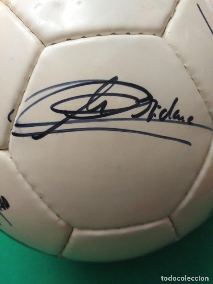 Coleccionismo deportivo: Balón firmado Real Madrid - Foto 5 - 200080262