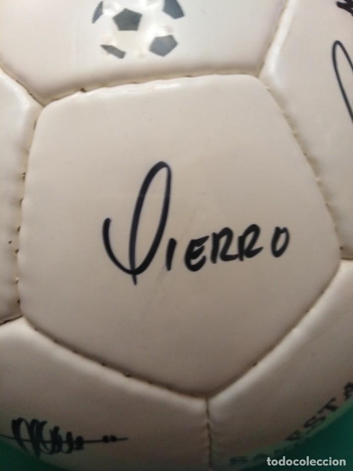 Coleccionismo deportivo: Balón firmado Real Madrid - Foto 7 - 200080262