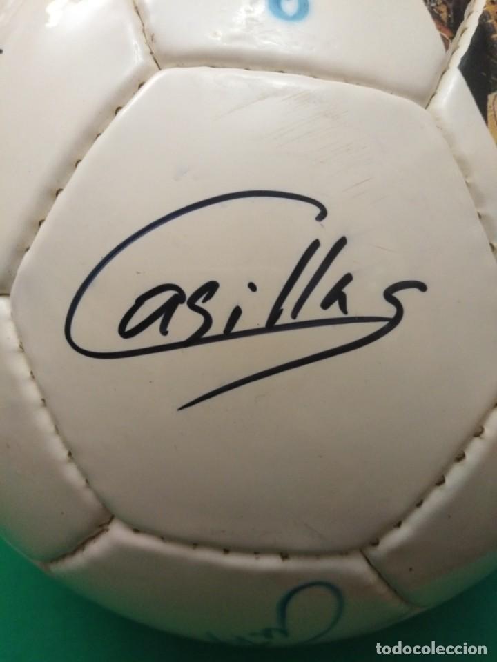Coleccionismo deportivo: Balón firmado Real Madrid - Foto 9 - 200080262