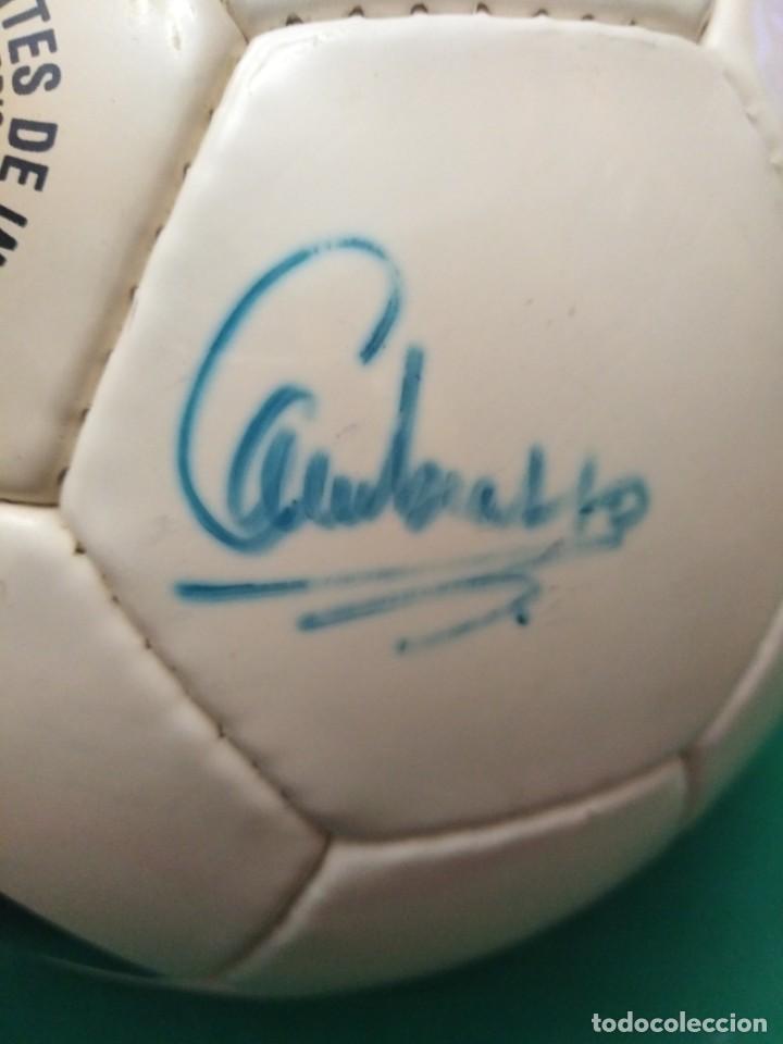 Coleccionismo deportivo: Balón firmado Real Madrid - Foto 12 - 200080262