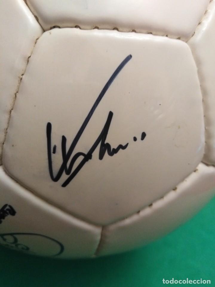 Coleccionismo deportivo: Balón firmado Real Madrid - Foto 19 - 200080262