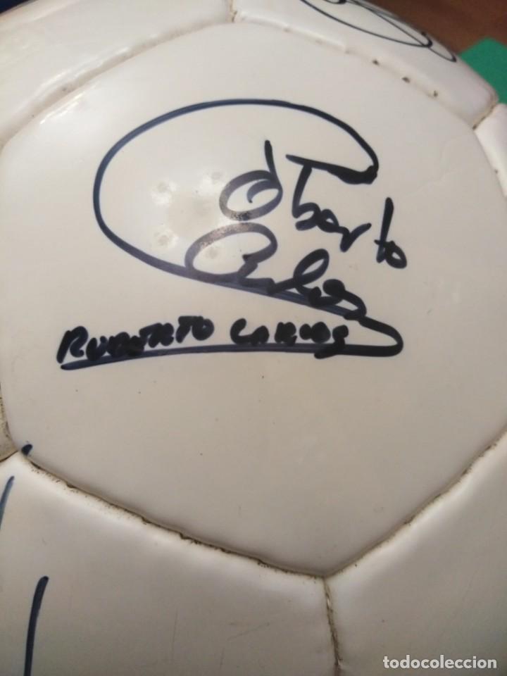 Coleccionismo deportivo: Balón firmado Real Madrid - Foto 24 - 200080262