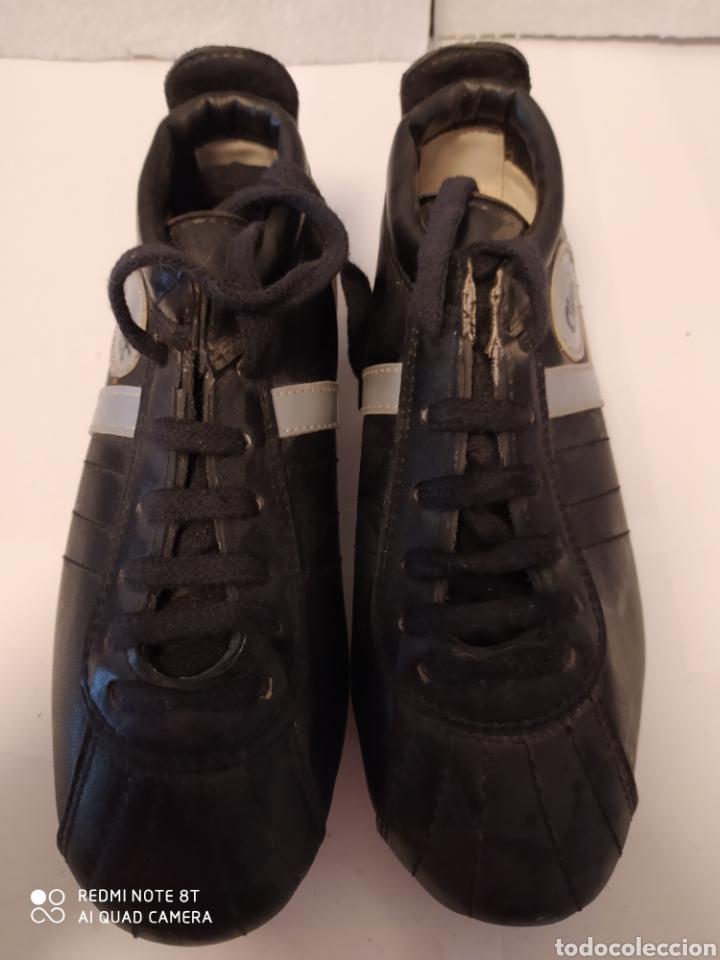 BOTAS FÚTBOL VINTAGE MARCA GIRETT, TALLA 32 ORIGINAL AÑOS 80 SIN USAR (Coleccionismo Deportivo - Material Deportivo - Fútbol)