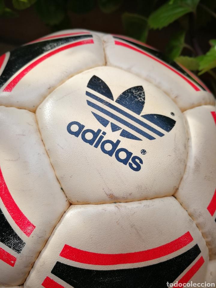 Coleccionismo deportivo: MÍTICO BALÓN ADIDAS TANGO BARI OFFICIAL FIFA BALL, 1988 (MADE IN FRANCE). DIFÍCIL!!!. - Foto 5 - 200371345