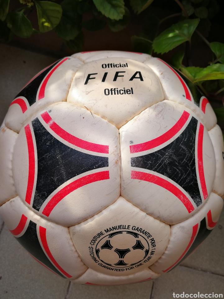 Coleccionismo deportivo: MÍTICO BALÓN ADIDAS TANGO BARI OFFICIAL FIFA BALL, 1988 (MADE IN FRANCE). DIFÍCIL!!!. - Foto 6 - 200371345
