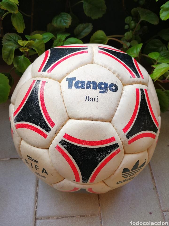 Coleccionismo deportivo: MÍTICO BALÓN ADIDAS TANGO BARI OFFICIAL FIFA BALL, 1988 (MADE IN FRANCE). DIFÍCIL!!!. - Foto 10 - 200371345