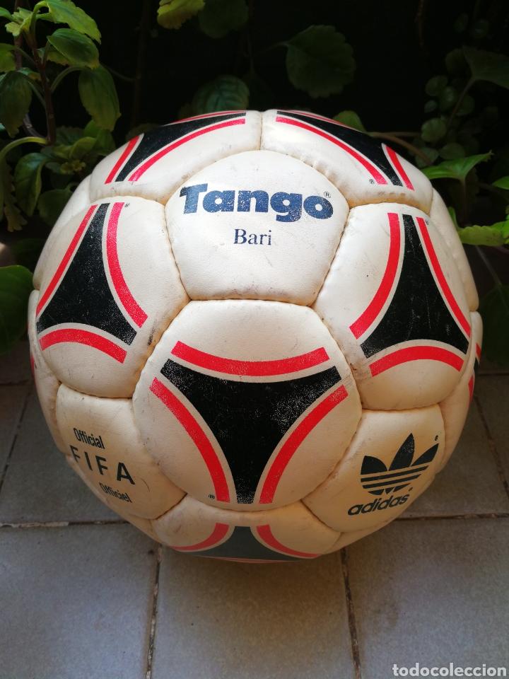 MÍTICO BALÓN ADIDAS TANGO BARI OFFICIAL FIFA BALL, 1988 (MADE IN FRANCE). DIFÍCIL!!!. (Coleccionismo Deportivo - Material Deportivo - Fútbol)
