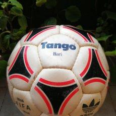 Coleccionismo deportivo: MÍTICO BALÓN ADIDAS TANGO BARI OFFICIAL FIFA BALL, 1988 (MADE IN FRANCE). DIFÍCIL!!!.. Lote 200371345