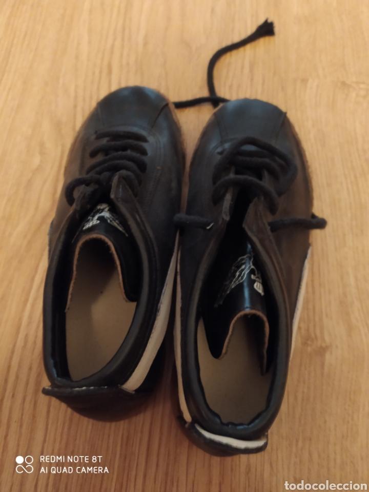 Coleccionismo deportivo: Botas fútbol vintage para niño, talla 32-33 originales años 80 sin usar - Foto 4 - 200569363