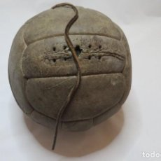 Collezionismo sportivo: BALON DE FUTBOL REGLAMENTARIO DE 1930. Lote 205070297