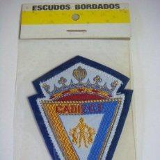 Coleccionismo deportivo: PARCHE DE TELA DEL ESCUDO DEL CADIZ C.F.. Lote 207247702