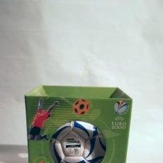 Coleccionismo deportivo: BALÓN FÚTBOL EURO 2000 CON CAJA. CEREALES NESTLÉ. Lote 208451613
