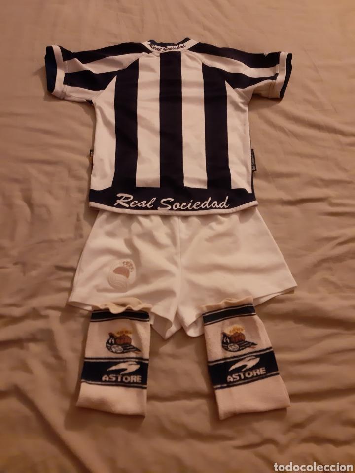 Coleccionismo deportivo: Equipaje Fútbol Real Sociedad - Foto 3 - 209385532
